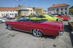 Автомобиль с откидным верхом 1966 спорта 2-Door Chevrolet Impala супер Стоковые Фотографии RF