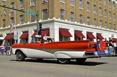Автомобиль с откидным верхом 1958 Форда Fairlane Стоковое Фото