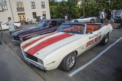 1969 автомобиль с откидным верхом Chevrolet Camaro, официальная машина безопасности Стоковые Фотографии RF