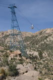 Автомобиль трамвая Сандии на башне - вертикальной ориентации Стоковые Фотографии RF