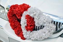 автомобиль украсил цветки wedding Стоковые Изображения RF
