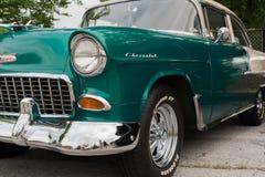 Автомобиль 2 Chevy классический тонизирует зеленый цвет и белизну Стоковое фото RF