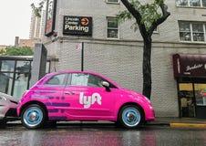 Автомобиль Lyft стоковые изображения rf