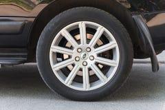 Автомобиль Range Rover, современное автомобильное колесо Стоковое Фото