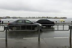 2 автомобиля на прогулке Стоковое Фото