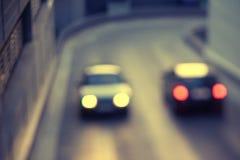 2 автомобиля путешествуя к одину другого Стоковые Фотографии RF