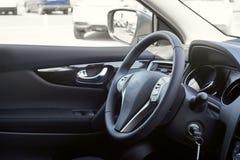 автомобиля скорость внутри помещения нутряная кожаная резвится корабль dashboard стоковое фото