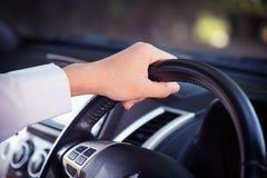 автомобиля управлять человек Стоковая Фотография RF