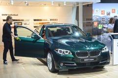 Автомобиля BMW салона автомобиля Москвы серия международного пятая Стоковые Фото
