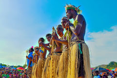 Автономная область выставки Бугенвилья культурной Дети Папуаой-Нов Гвинеи Уникально группа культуры Стоковые Фотографии RF