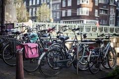 Автостоянка велосипеда, Амстердам Стоковая Фотография