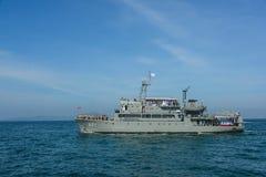 Автостоянка военного корабля военно-морского флота на море в международном сверле обзора флота Стоковое Фото
