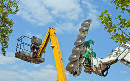 автотелескопическая вышка chainsaw Стоковая Фотография RF