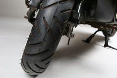 автошина колеса скутера стоковые изображения rf