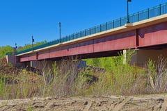 Автодорожный мост над рекой Минесоты стоковое фото