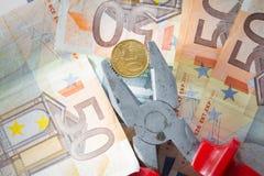 давление евро вниз Стоковое Изображение