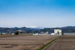Аграрные зона поля и агробизнес в сельской местности, fuk стоковое фото rf