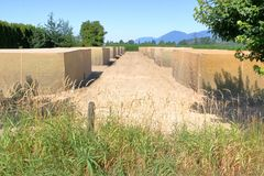 Аграрные коробки содержа урожаи стоковое изображение