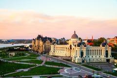 Аграрный дворец на заходе солнца в Казани, России стоковые фото