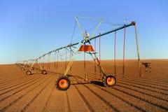 аграрный спринклер поля Стоковые Фото