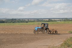 аграрный трактор Стоковое Изображение