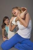 агрессивныйое бой 2 женщины Стоковое Изображение RF