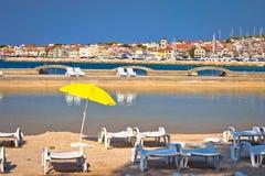 Адриатический городок взгляда пляжа и Марины Vodice Стоковая Фотография RF