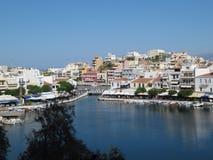 Ажио Nikolaos портового города, залив Mirabello, Lashiti, Крит, Греция стоковая фотография rf
