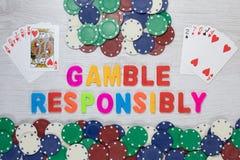 Азартная игра ответственно - выигрывать и проигрышные руки Стоковая Фотография RF