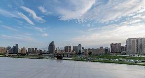 Азербайджан Баку, взгляд от центра aliyev Heydar стоковые фотографии rf