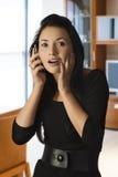 азиатская вызывая девушка Стоковая Фотография RF