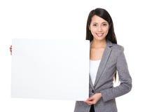 Азиатская выставка коммерсантки с белым знаменем Стоковое Изображение
