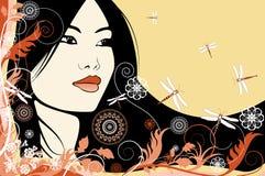Азиатская девушка на флористической предпосылке Стоковые Изображения RF