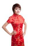Азиатская девушка в китайском платье cheongsam стоковые изображения