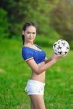 Азиатская девушка одетая в итальянской одежде чирлидеров Стоковая Фотография RF