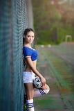 Азиатская девушка одетая в итальянской одежде чирлидеров Стоковые Изображения
