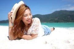 азиатская девушка пляжа Стоковые Изображения RF
