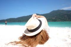 азиатская девушка пляжа Стоковая Фотография