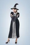 Азиатская женщина ведьмы стоковые изображения rf
