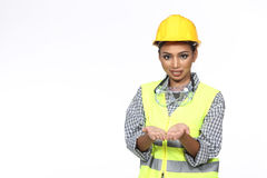Азиатская женщина инженера архитектора в желтой трудной шляпе, безопасности обширной Стоковые Изображения