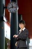 азиатская женщина перемещения дела Стоковое Изображение