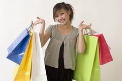 азиатская женщина покупкы Стоковые Изображения