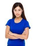 Азиатская женщина при пересеченное вооруженное Стоковое Изображение