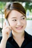 азиатская женщина телефона дела Стоковое Фото