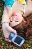азиатская красивейшая женщина мобильного телефона Стоковые Фотографии RF