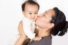 азиатская мама младенца Стоковая Фотография