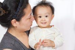 азиатская мама младенца Стоковое Изображение