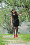 азиатская милая женщина прогулки стоковое фото