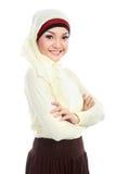 Азиатская молодая мусульманская женщина в головном шарфе Стоковая Фотография