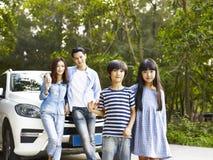 Азиатская семья на отключении Стоковое Фото